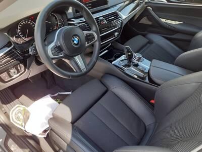 Voir la photo n°4 de la voiture d'occasion BMW SERIE 5 G30 — 520d 190 ch BVA8 Sport